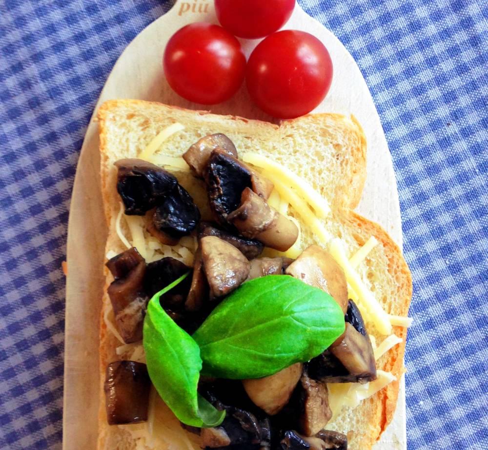 Bruschetta Mushrooms Cheese