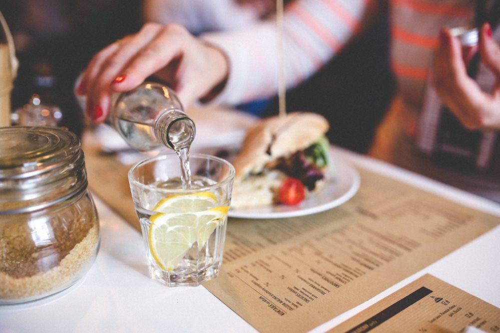 diner-dinner-drinking